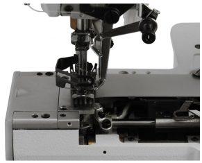ZOJE ZJC2500-BD-D3 pram. plokščiasiūlė mašina su virš. paklojėju ir cilindr. platforma