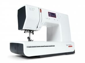 Kompiuterizuota siuvimo mašina bernette 37