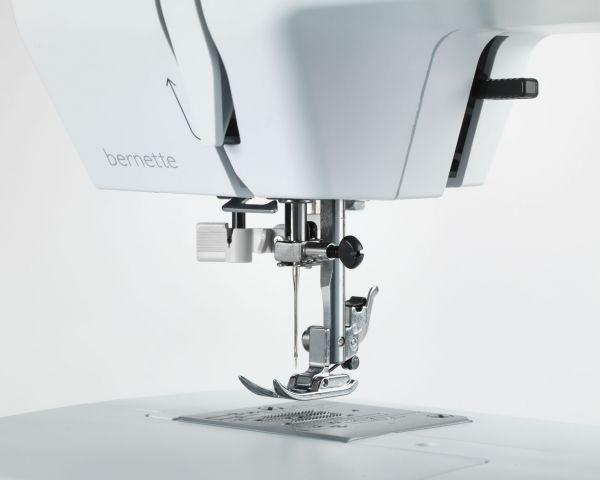 Bernina-Bernette--b33-b35-pedeles pakelimas