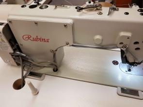 RUBINA RB-9400-D4  tiesiasiūlė pramoninė mašina su automatika