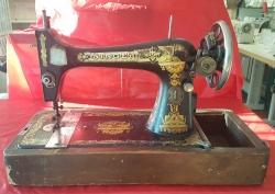 (Naudota) Antikvarinė siuvimo mašina Singer model 27